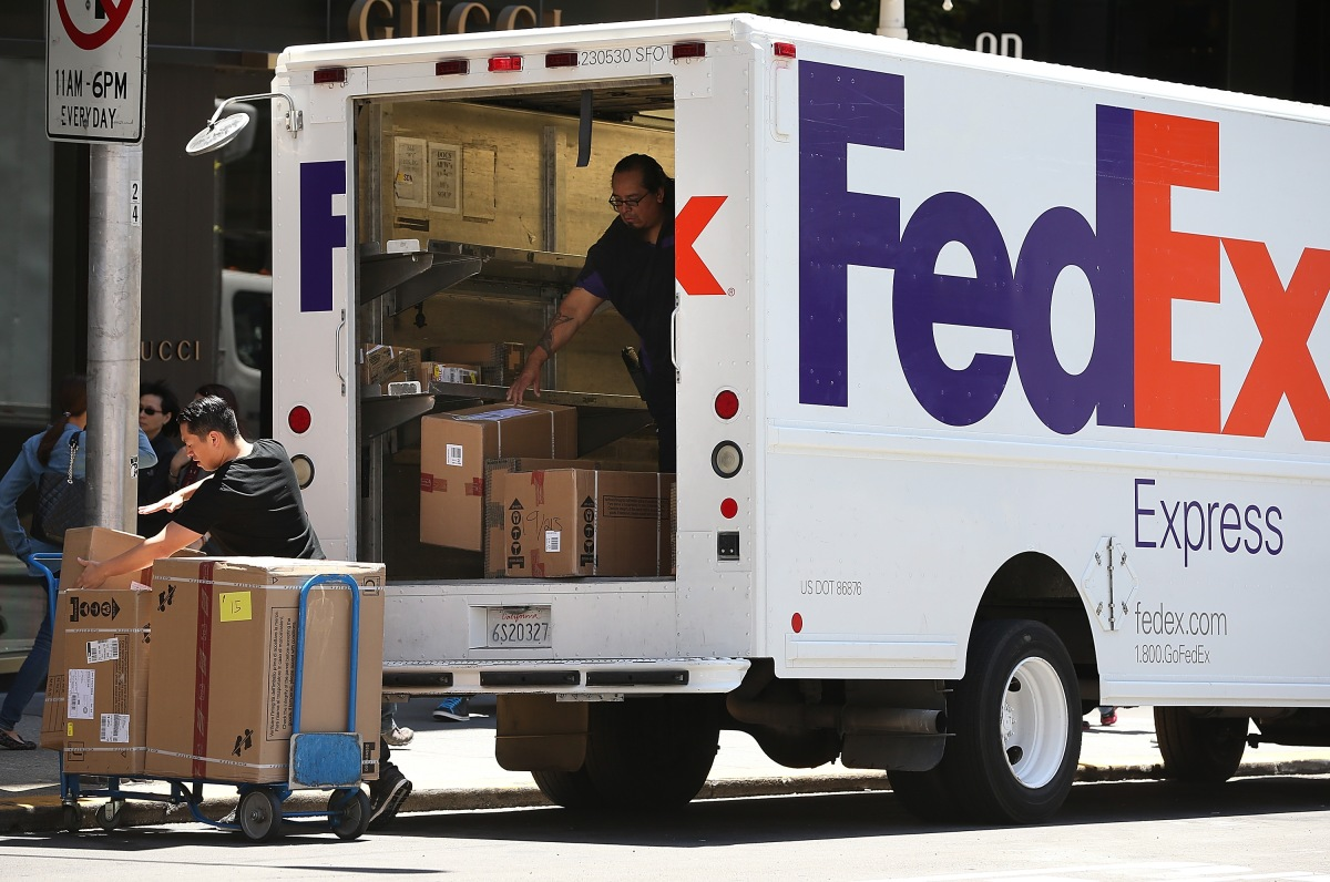 what do fedex home delivery drivers make
